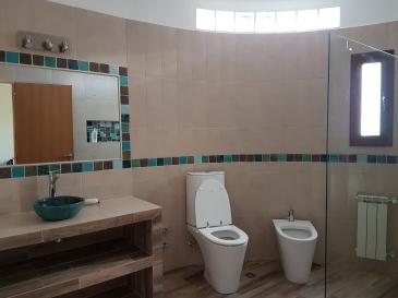 remodelación íntegra de baños, colocacion de guardas, instalacion de sanitarios